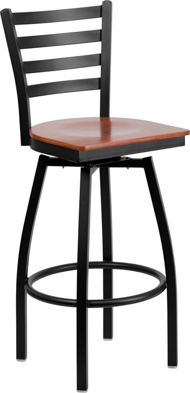 Flash Furniture HERCULES Series Black Ladder Back Swivel Metal Bar Stool - Cherry Wood Seat [XU-6F8B-LADSWVL-CHYW-GG]